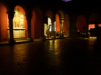 6-Yen-Lin at Museum in darkness.jpg